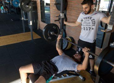 Wybierz siłownię i trenera