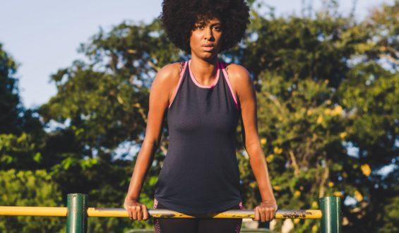 Na siłowni skorzystaj z pomocy trenera